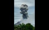 Gunung Sinabung erupsi. Ilustrasi