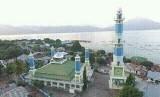 Kampung nelayan Lamakera, di pesisir Pulau Solor, Nusa Tenggara Timur.,