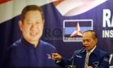Ketua Harian DPP Partai Demokrat Syarief Hasan berbicara saat pembukaan Rapimnas II IMDI di Jakarta, Kamis (23/4). (Republika/ Tahta Aidilla)