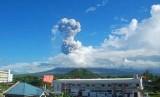 Gunung Mayon di provinsi Albay, Filipina, yang sempat mengeluarkan letusan beberapa waktu lalu..