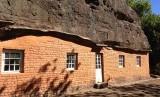 Masitise Cave House