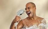 Menjaga organ vital tetap bersih dengan mandi air hangatdapat membuat