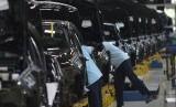 Sri Mulyani Setujui Hapus Pajak Mobil Sedan