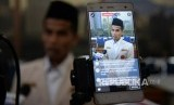Pelapor sekaligus saksi Pedri Kasman didampingi tim pengacara memberikan keterangan kepada wartawan di kantor PP Muhammadiyah, Jumat (13/1).