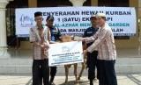 Penyerahan hewan kurban untuk masyarakat sekitar AAMG