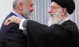 Pimpinan Hamas Ismael Haniyeh bertemu pemimpin spiritual Iran, Ali Khamenei.