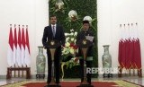 President Joko Widodo and Emir of Qatar Syekh Tamim hold a joint press conference at Bogor State Palace, Wednesday (October 18).