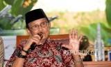 Presiden RI ke-3 BJ Habibie memberikan paparan saat konferensi pers gelaran Bekraf Habibie Festival 2017 di Jakarta, Rabu (2/8).