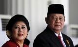 Presiden RI ke-6, Susilo Bambang Yudhoyono dan Ibu Ani Yudhoyono.