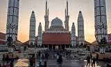 Masjid Masjid Agung Jawa Tengah (MAJT) Semarang