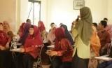 Suasana pelatihan display kelas yang digelar oleh Sekolah Cendekia Baznas.
