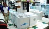 Suasana sebuah toko elektronika