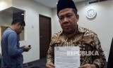 Wakil Ketua DPR Fahri Hamzah  saat memberikan keterangan pers terkait ditolaknya banding PKS terhadap putusan Pengadilan Negeri Jakarta Selatan di Ruang Media Center DPR, Komplek Parlemen, Senayan, Jakarta pada Kamis (14/12).