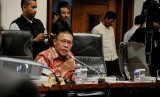 Wakil Ketua Pansus Angket KPK Masinton Pasaribu saat bertemu dengan perwakilan tiga organisasi profesi, Senin (4/9).
