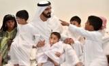 Wakil Presiden dan Emir Dubai Sheikh Mohammed bin Rashid selalu menyempatkan diri untuk menghibur anak yatim piatu saat Ramadhan (Ilustrasi).