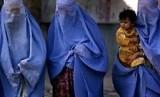 Wanit dengan mengenakan burqa. (ilustrasi)