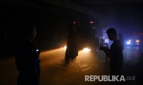 Damkar: Sumber Kebakaran Mal Penvil dari Panel Listrik