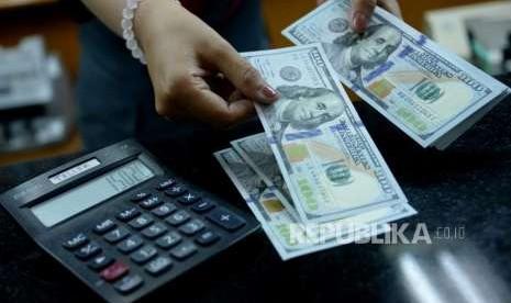 Dolar AS Menguat Didukung Ekspektasi Kenaikan Suku Bunga