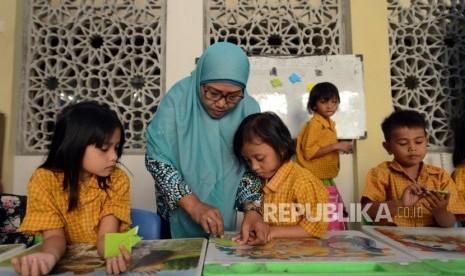 Membawa Anak ke Masjid