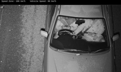 NSW Uji Coba Kamera Yang Kenali Pengemudi Berponsel Sambil Menyetir