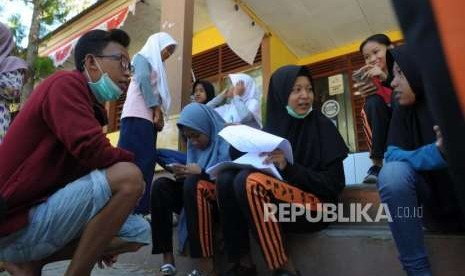 Banyak Siswa Korban Gempa Palu Belum Masuk Sekolah