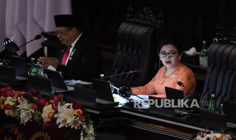 Puan: DPR Tetap Bahas Omnibus Law RUU Ciptaker