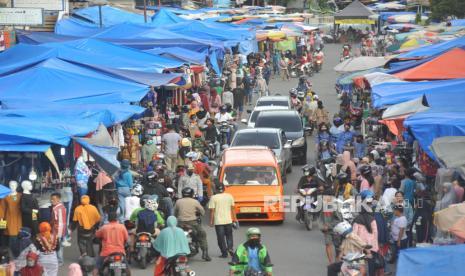 Warga Padang Disarankan Belanja Kebutuhan Lebaran Lebih Awal thumbnail