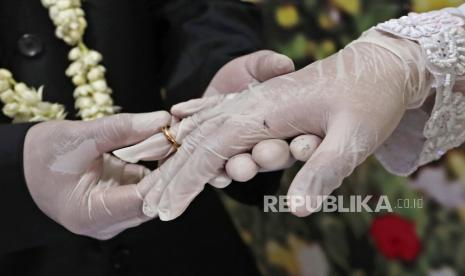 Saat Suami Tahu Istri Tak Perawan Apa Yang Harus Dilakukan Republika Online