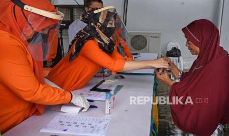 Kantor Pos Padang Siap Antarkan Bantuan Kemensos Ke Rumah Republika Online
