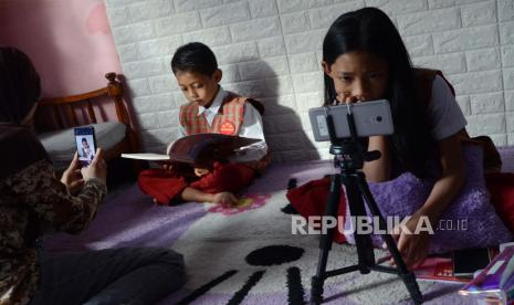 Guru Dituntut Lebih Kreatif Dalam Pembelajaran Daring Republika Online