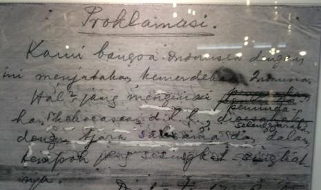 Teks Proklamasi Dan Pidato Soekarno 17 Agustus 1945 Republika Online