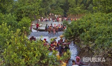 Myanmar Bantah Tuduhan Menembak Pengungsi Rohingya