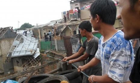 Dinkes Bogor: Warga Terdampak Puting Beliung Alami Trauma