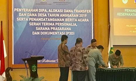 In Picture: Penandatanganan MOU E-Samsat Kaltim dengan BRISyariah