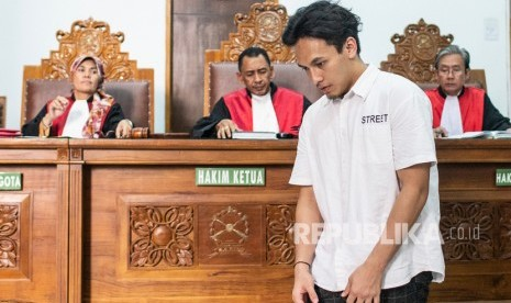 Aktor Jefri Nichol Dituntut Pidana 10 Bulan Penjara Republika Online
