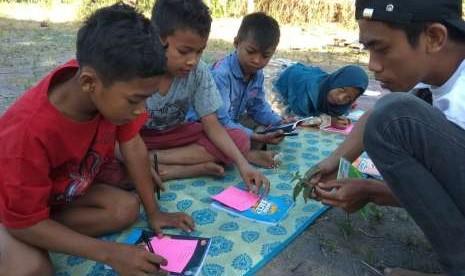 KPAI Awasi Sekolah Darurat di Palu dan Donggala