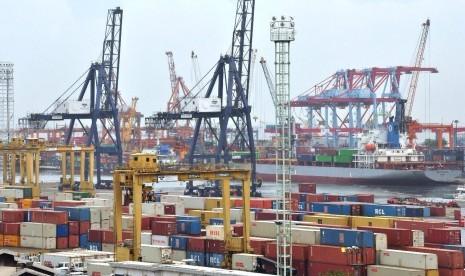 Defisit Neraca Perdagangan Tembus 2,05 Miliar Dolar AS
