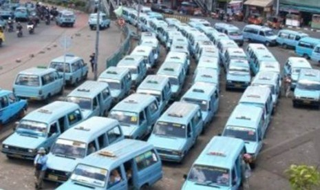 Ribuan Angkutan Umum di Aceh Digudangkan thumbnail