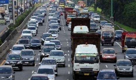Puluhan Ribu Kendaraan Masuki Jakarta via Tol