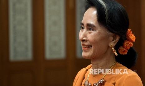 Dikecam Internasional, Suu Kyi Dibela di Dalam Negeri