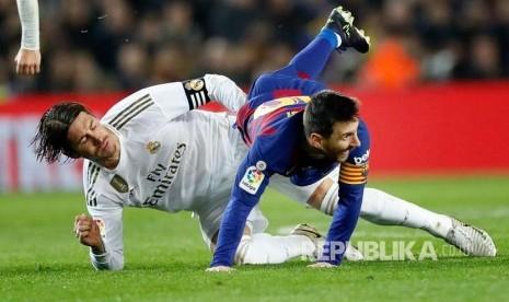 Messi dan Ramos Kini Satu Tim, Begini Tanggapan Ronaldinho