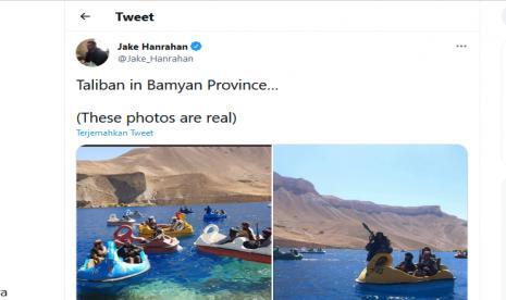 Viral, Militan Taliban Naik Perahu Bebek di Danau