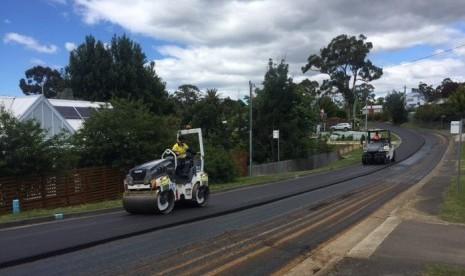 Sampah Plastik dan Kaca Jadi Pengganti Aspal di Tasmania