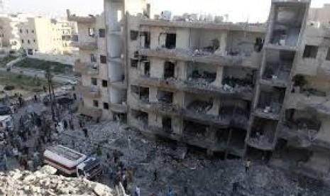 Bom meluluhlantakkan bangunan di Suriah.
