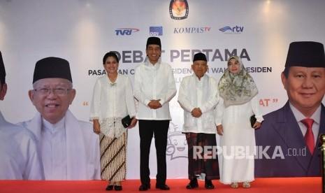 Didampingi Istri, Jokowi-Kiai Ma'ruf Tiba di Lokasi Debat