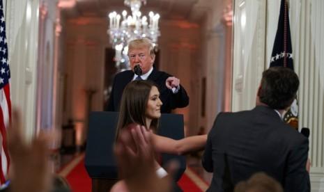 CNN Gugat Predisen Trump