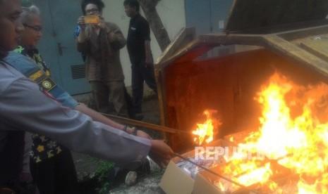 Disdukcapil Depok Musnahkan 32 Rbu KTP-El tak Terpakai