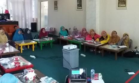 Dompet Dhuafa Pendidikan Gelar Pelatihan Menulis untuk Guru
