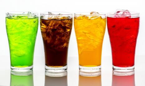 Mnogi ljudi vole bezalkoholna pića, ali ta navika nije dobra za zdravlje (Foto: ilustracija bezalkoholnih pića)