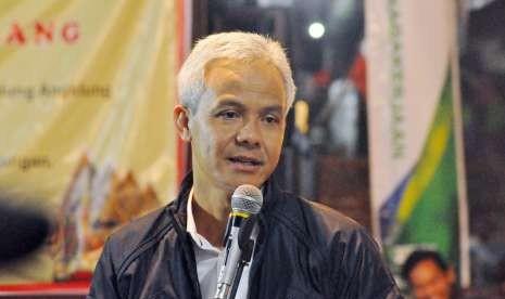 Kata Ganjar Soal Prabowo-Sandi Pindahkan Markas ke Jateng